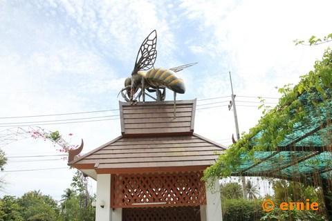55-big-bee-24.jpg