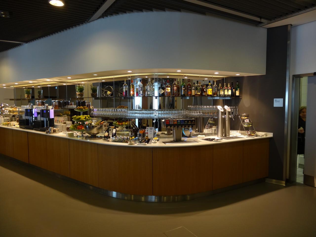 02 LH Lounge 02