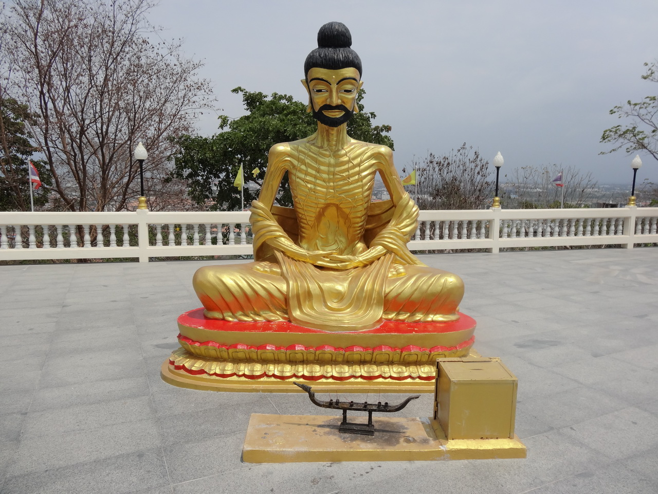 07 Big Buddha Hill 05