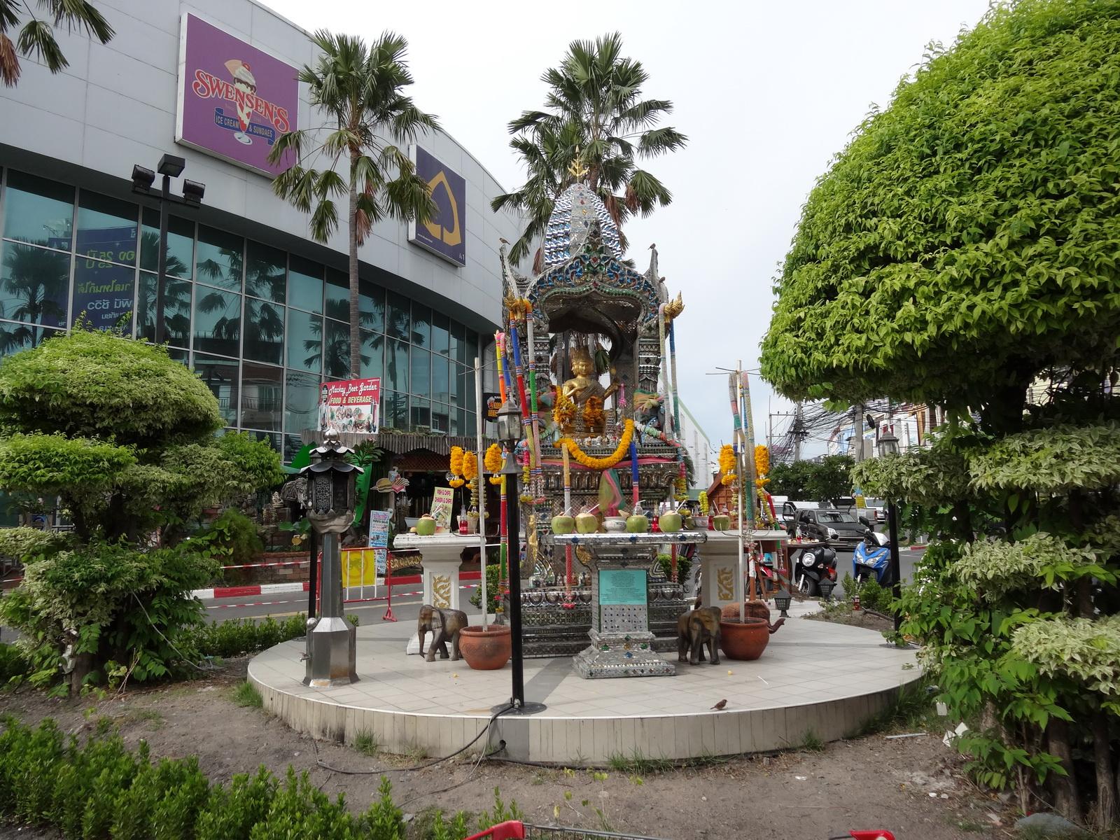 12 Pattaya 200