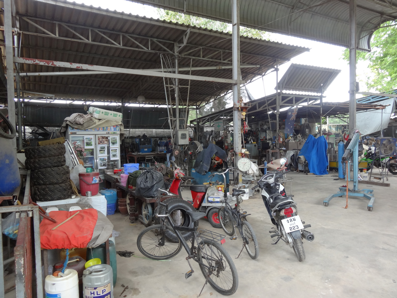 14 Army Shop 08