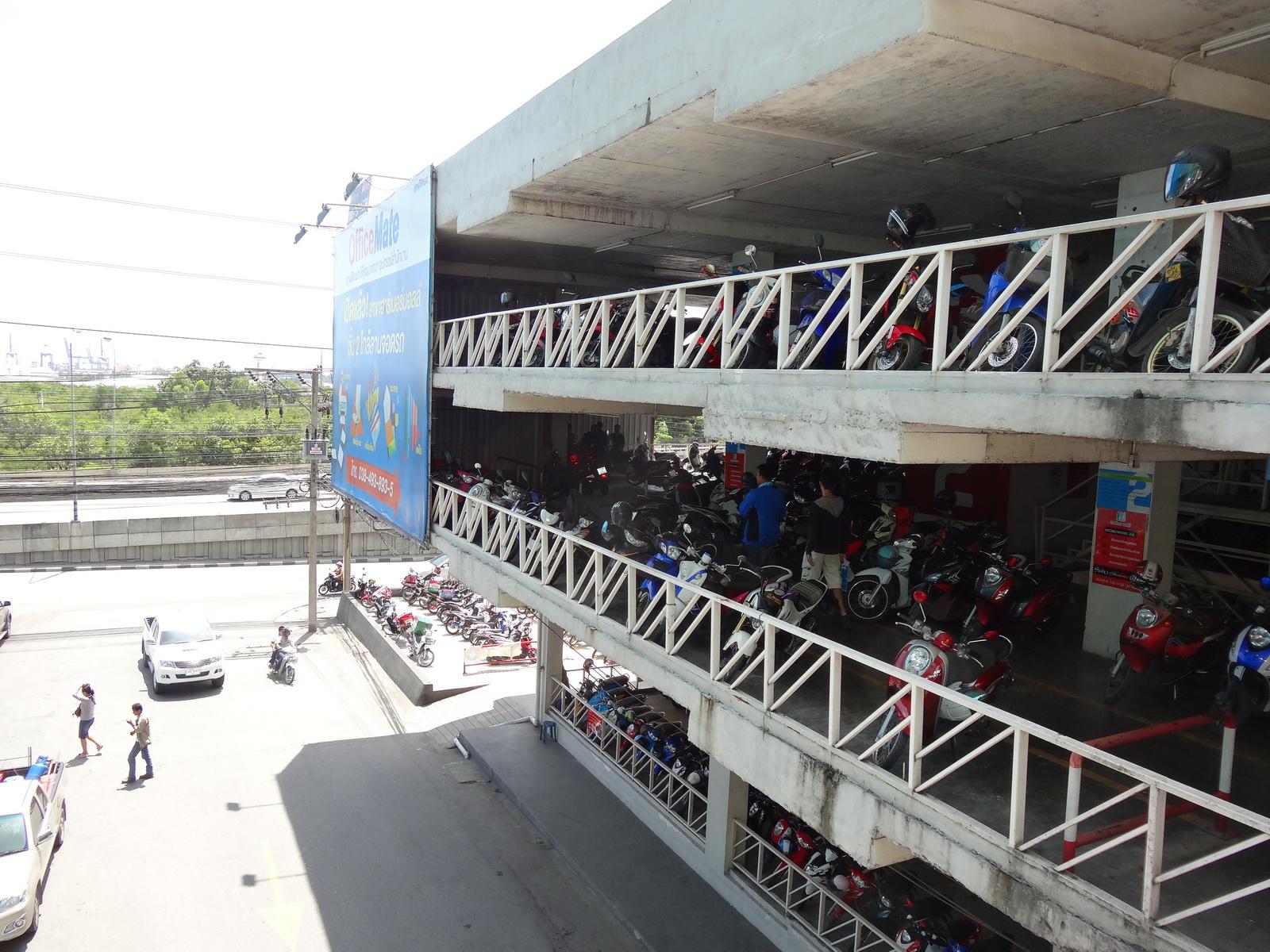 16 Laem Chabang Habour Mall 14