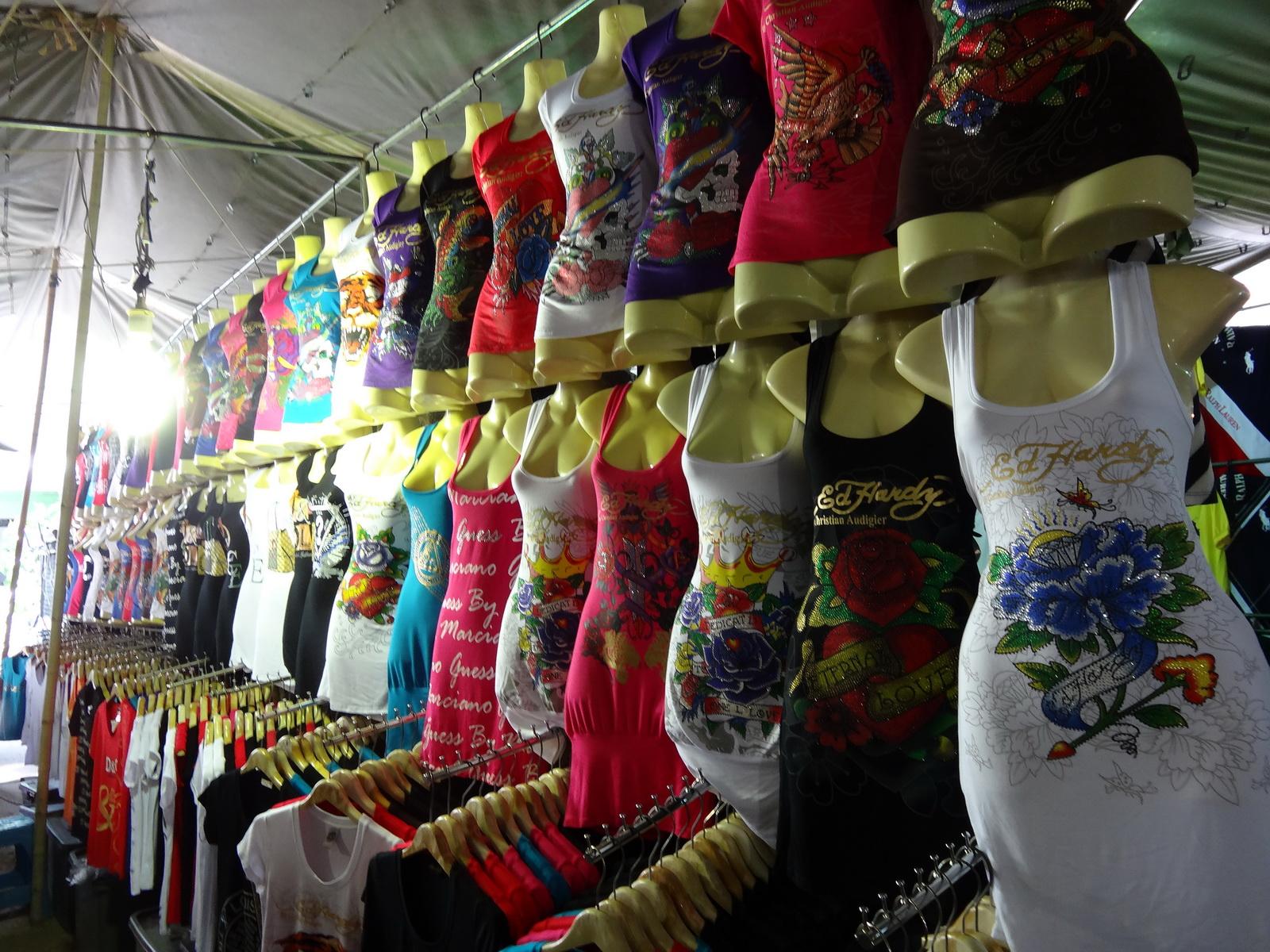 17 Buakhao Markt 01