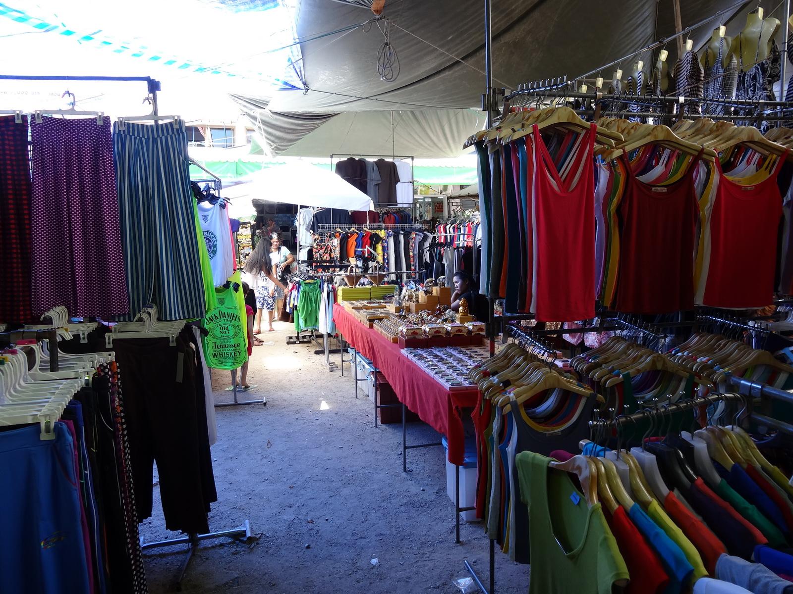 17 Buakhao Markt 02