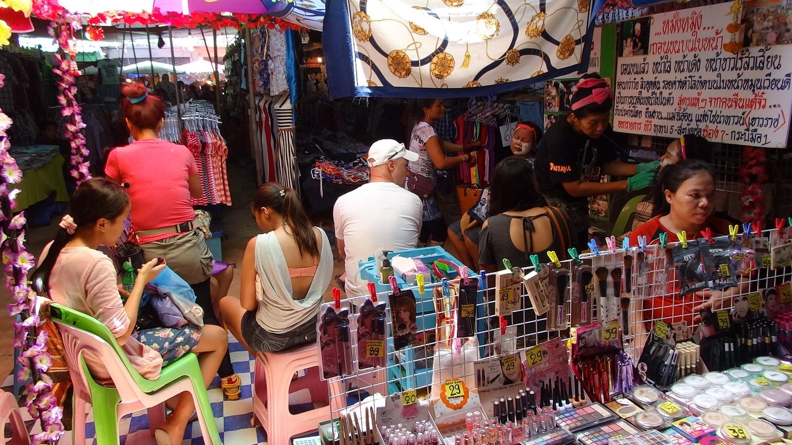17 Buakhao Markt 04