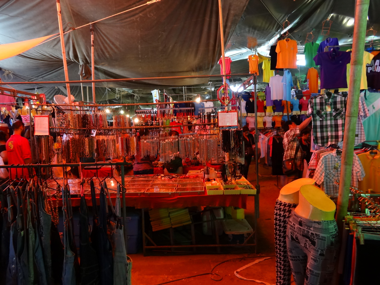 17 Buakhao Markt 08