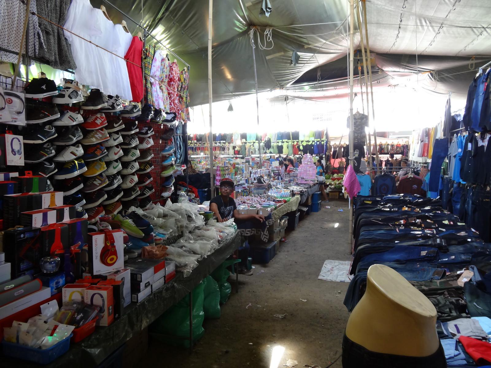 17 Buakhao Markt 09