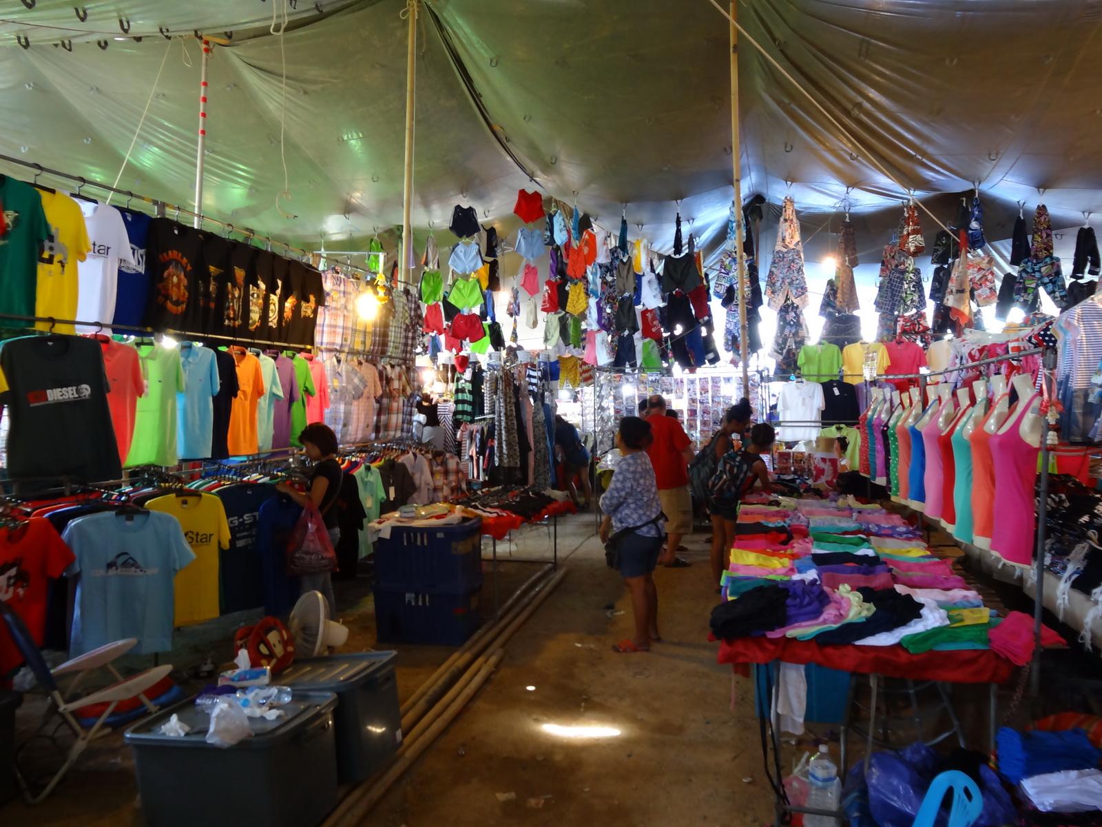17 Buakhao Markt 12