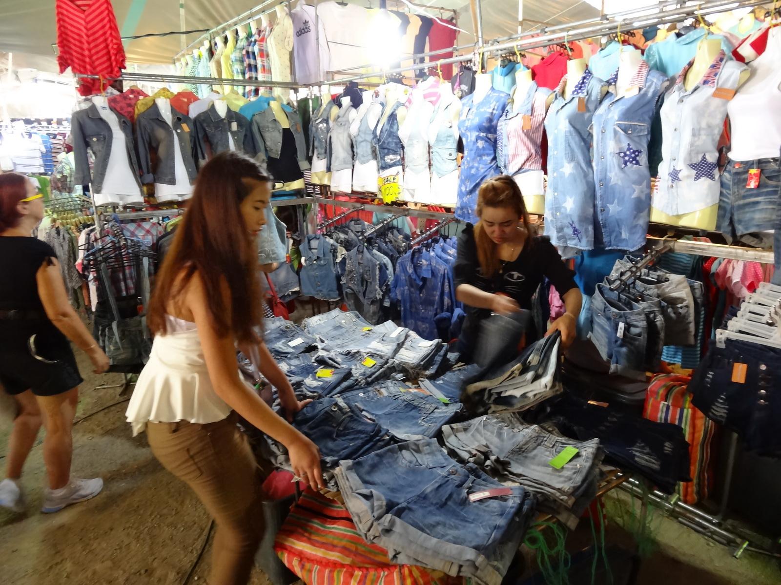 17 Buakhao Markt 31