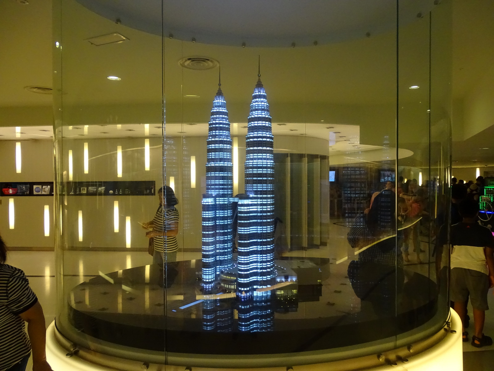 06 KL Twin Towers 02