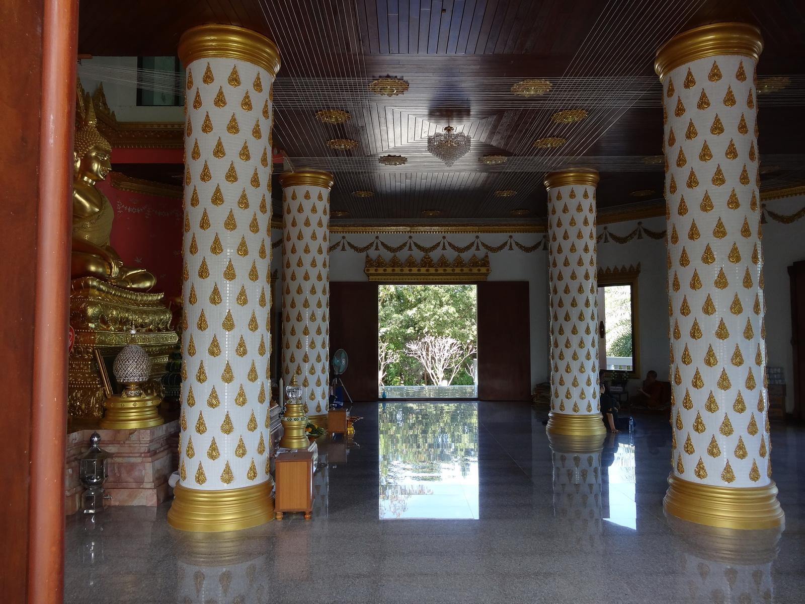 02-wat-tham-prathun-11