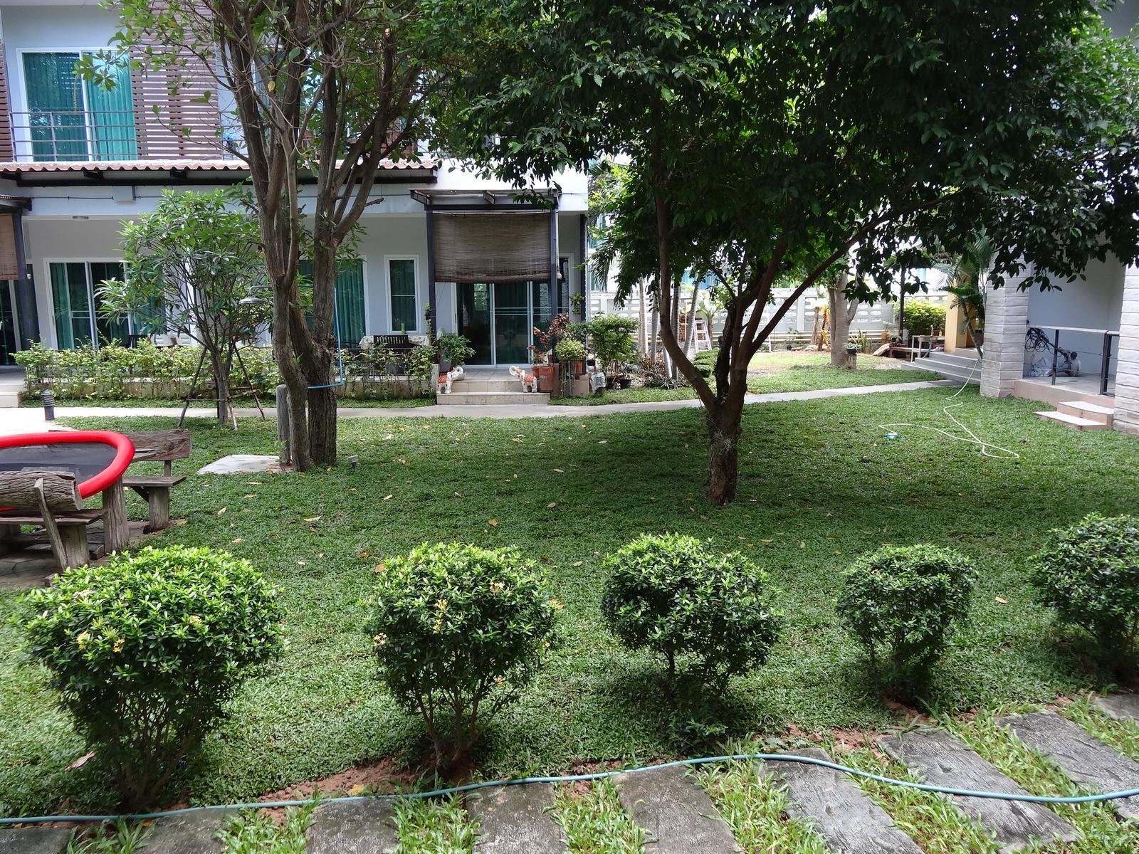 01-the-garden-11
